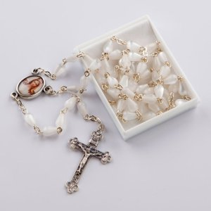 chapelet avec perles en forme de goutte-blanc