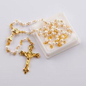 chapelet avec perles rondes blanches imitation perle-chaîne dorée