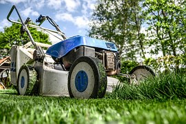 Lawn machine