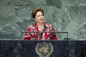 L'ancienne présidente du Brésil Dilma Rousseff devant l'Assemblée générale des Nations Unies. (Photo ONU par Marco Castro)