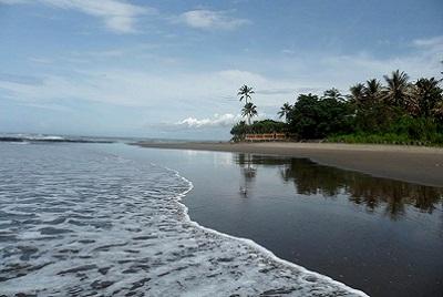 Bali plage : l'ouest, Negara, Medewi, Gilimanuk. Puri Dajuma beach