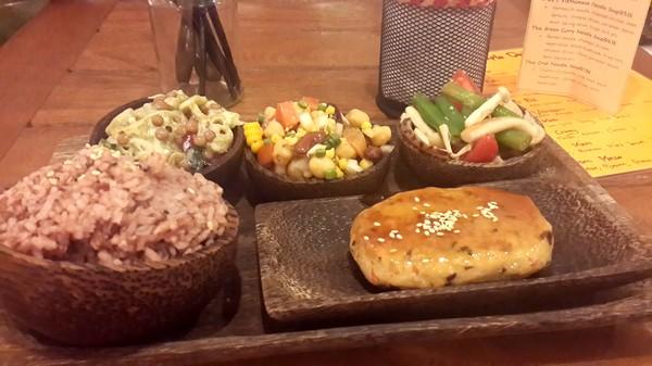 Bons plans à Bali : le warung, brasserie façon asiatique