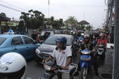 Vivre à Bali : le travail, le logement, la santé, l'argent... Le trafique
