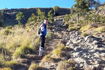 Mont Rinjani, compétition ultra trail 2013 à Lombok Les copains au mont Rinjani