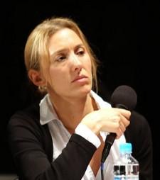 Nadia, journaliste en Corse, ses rêves, son blog, son engagement Le journalisme