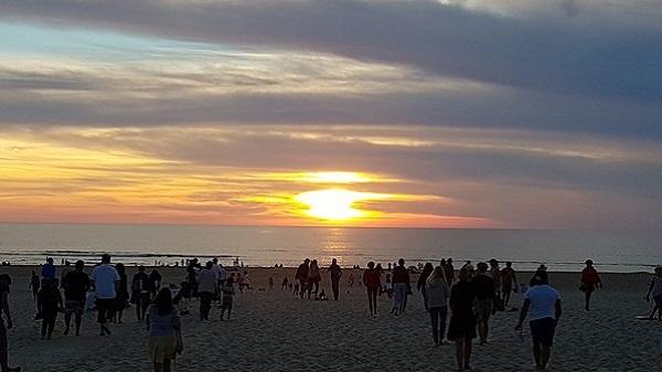 Vegan Surf Camp holidays dans les Landes : le bon plan. Sunset à Moliets Plage