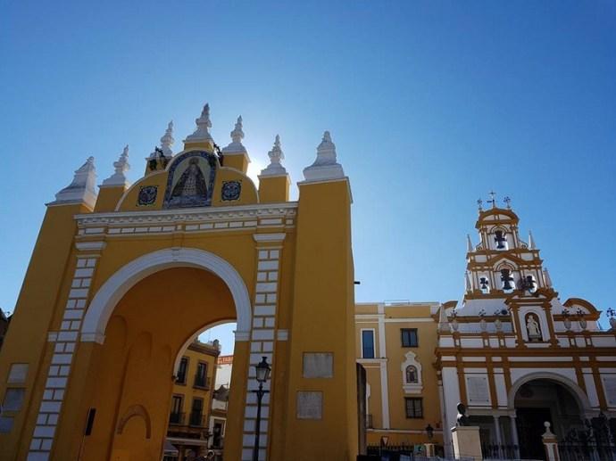 Basilique de la Macarena et la puerta de la Macarena - Seville