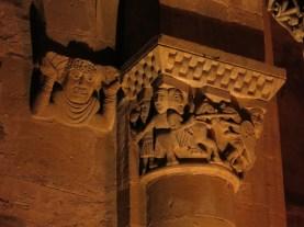 L'Abbatiale Sainte-Foy de Conques en nocturne