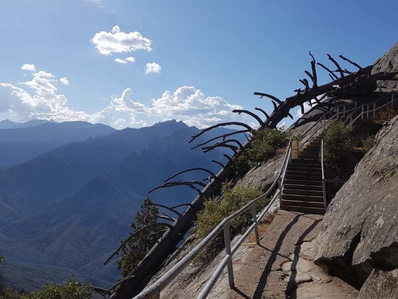 Ascension au Moro Rock - Sequoia national park - USA