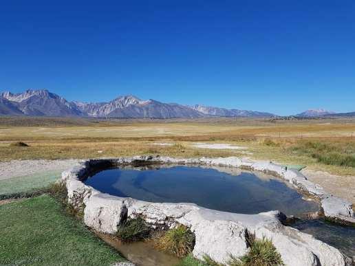 source d'eau chaude près de Mammoth Lakes