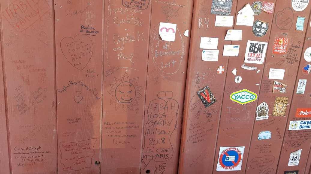 écritures sur le mur du Bagdad Café