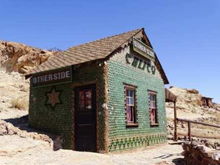 Calico ghost town - maison en bouteilles