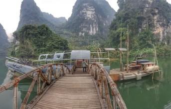 balade en barque embarcadère Trang An