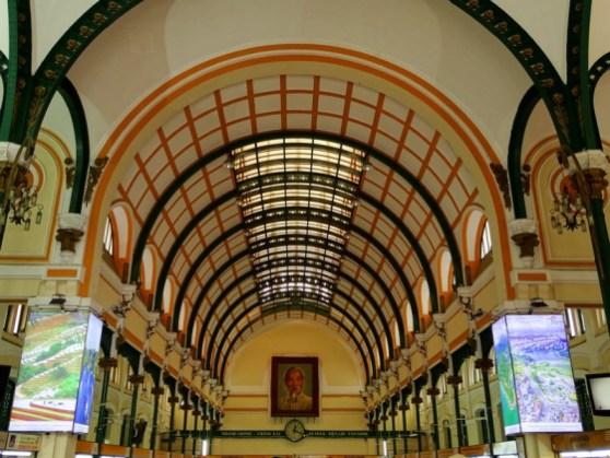 Interieur de la poste - Saigon - Vietnam
