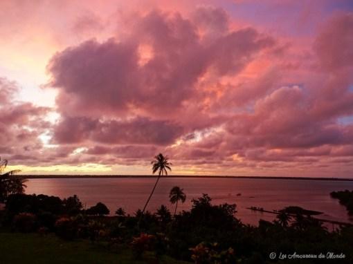 coucher de soleil sur l'île de Maupiti