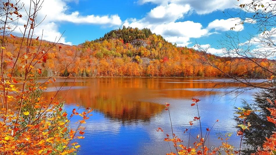 La flambée des couleurs au parc du Mont-Orford dans les Cantons de l'Est - Canada