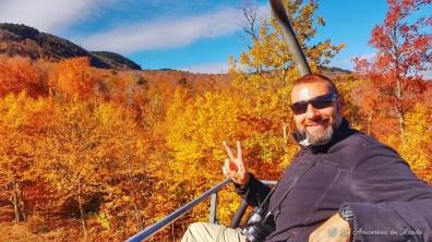 Montée en télésiège au sommet du mont Orford - Cantons de l'Est - Canada