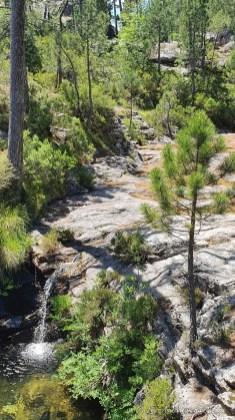 chemin de randonnée vers la cascade A Piscia di Ghjaddu - Corse