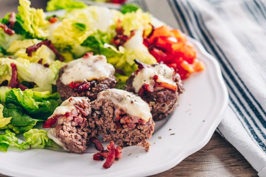 Recette céto viande hachée - burger cup raclette