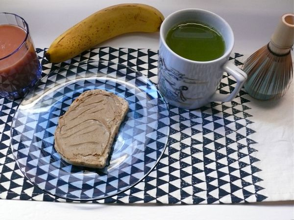 breakfast with nut butter, matcha and hemp oil