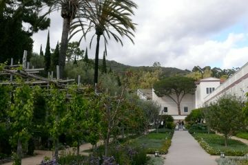 the getty villa herb garden