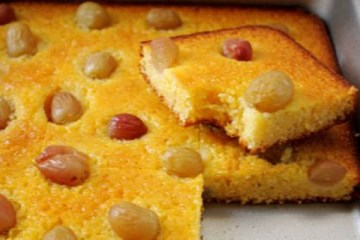 grape cornmeal cake