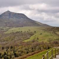 Randonnee en famille au sommet d'un volcan : le Puy Pariou