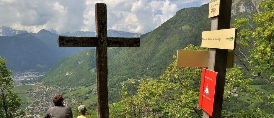 Le roc de Nantbellet : randonnée au sommet de Marlens