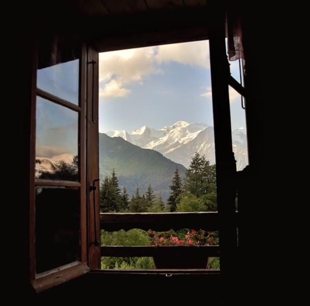 Vue sur le Mont Blanc depuis le refuge du chatelet des ayeres
