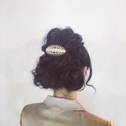 これから福島まで新幹線で結婚式に行かれる方のヘアセット。友人スピーチを頼まれたらしく緊張されてました。黒髪が似合う上品な可愛いお客様でした。Today's hair arrangement by Takashi Up do. ¥4320. #バラディンズ#longhair #ロングヘア#結婚式 #hairarrange #ヘアアレンジ  #早朝は7時15分から受付してます#ウェディング#wedding#ソルティール2016 #yokohama  #横浜 #美容室 #美容院 #hair  #hairsalon #ヘアアクセサリー #あみこみ #編み込み #編み込みアレンジ#ねじり編み #なみなみウェーブ ##ゆるふわ#アートグレイス #アニヴェルセルみなとみらい #ハートコート横浜#コットンハーバークラブ#シーサイドリビエラ#クリスマス  #ベイシェラトン(Instagram)