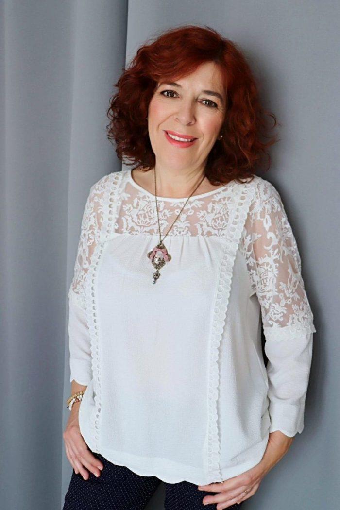 Julie - créatrice - bijoux - romantique - d'antan - rétro- shabby -