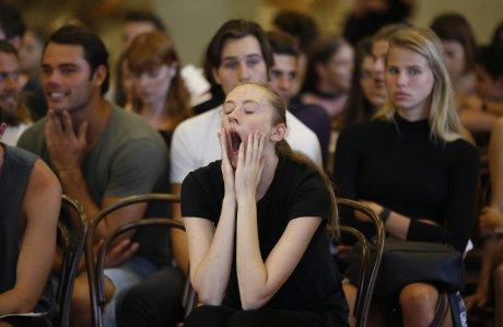 L'empatia dello sbadiglio, il contagio colpisce più le donne