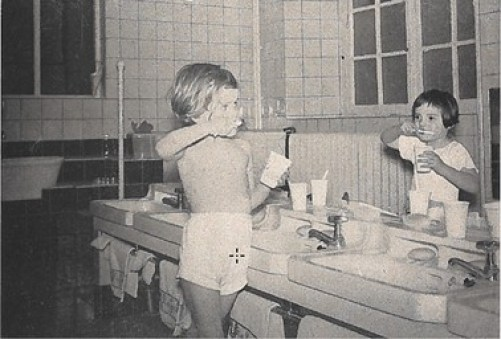 Institut Sainte Gertrude - le lavage du matin