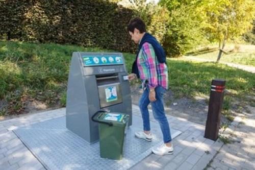Collecte des déchets - un PAV Point d'Apport Volontaire