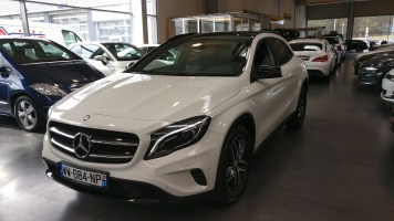 Mercedes-Benz GLA 180 Urban 2