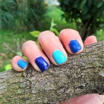 vernis a ongles bleus