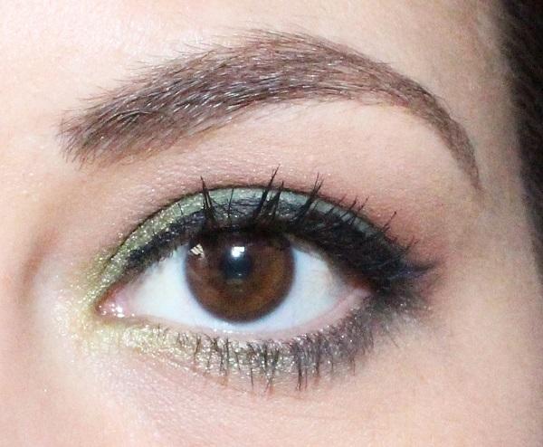 maquillage vert sapin