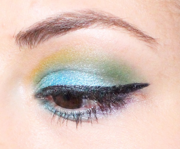 maquillage bleu msc