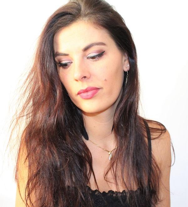 maquillage beige et blanc