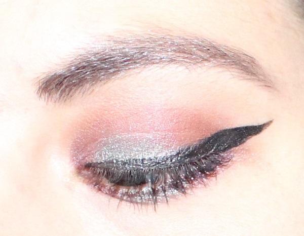 maquillage violine vert de gris