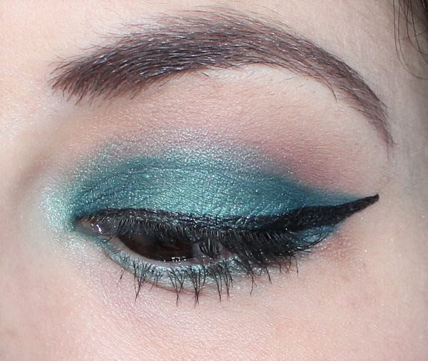 maquillage vert fonce et aqua msc