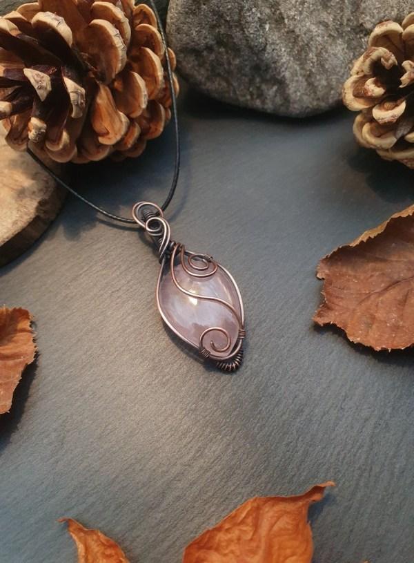 pendentif quartz rose el fil de cuivre