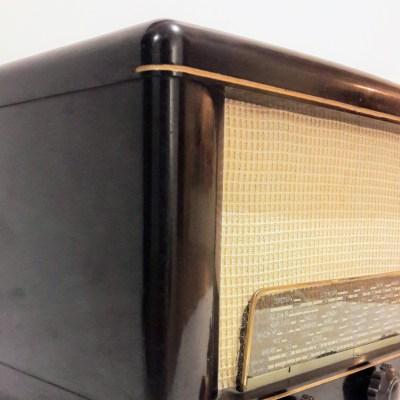 Philips BF 301 A ancienne radio bluetooth LES DOYENS