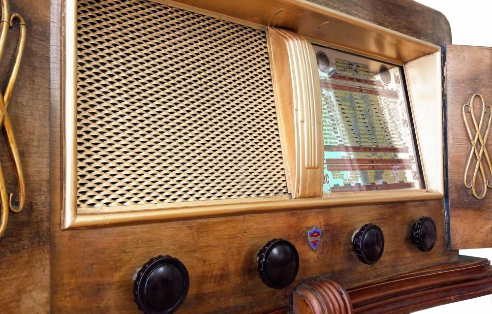Clarville Radio vintage bluetooth LES DOYENS