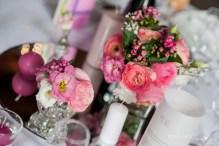 mariage-decoration-fushia-vignes-fleurs-miroir-les-embellies-d-amelie-domaine-de-la-ruisseliere-cecile-creiche01