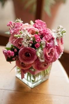 mariage-decoration-fushia-vignes-fleurs-miroir-les-embellies-d-amelie-domaine-de-la-ruisseliere-cecile-creiche13