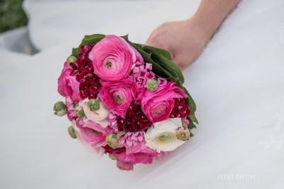 mariage-decoration-fushia-vignes-fleurs-miroir-les-embellies-d-amelie-domaine-de-la-ruisseliere-cecile-creiche16