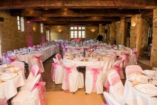 mariage-decoration-fushia-vignes-fleurs-miroir-les-embellies-d-amelie-domaine-de-la-ruisseliere-cecile-creiche17