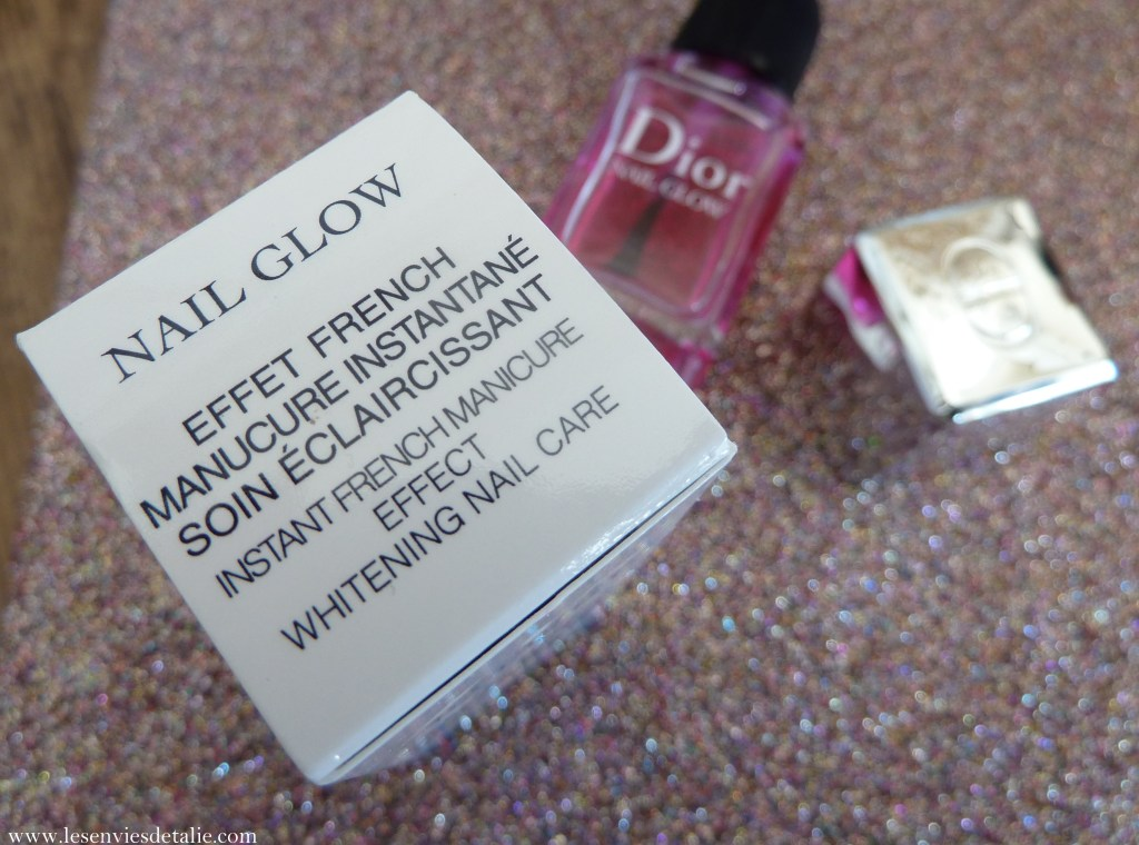 Effet french manucure avec le Nail Glow Dior