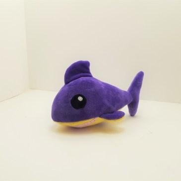 Peluche Requin violet et jaune